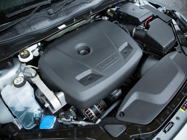 ▲直噴や可変バルブタイミング機構に加え、アイドリングストップ機構やブレーキエネルギー回生システムも採用した