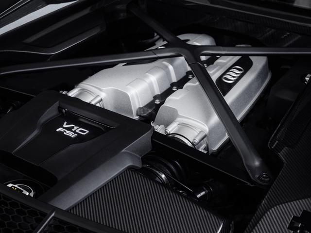 ▲気筒休止やコースティング機能なども備え、燃費は約13%向上。0→100km/h加速は3.2秒
