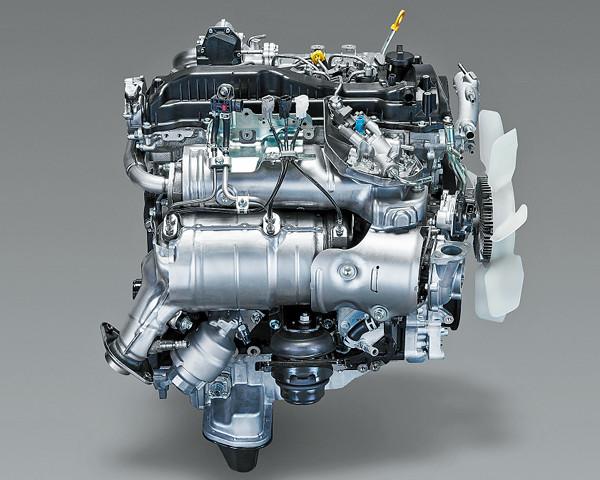 ▲海外に続いて国内にも導入された、トヨタの新世代ディーゼルエンジンはまずランドクルーザー プラドに採用。マツダのスカイアクティブディーゼル同様、NOxとPMの発生を抑えるPCI燃焼が取り入れられる