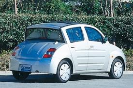 トヨタ WiLL Viのリアスタイル|ニューモデル試乗