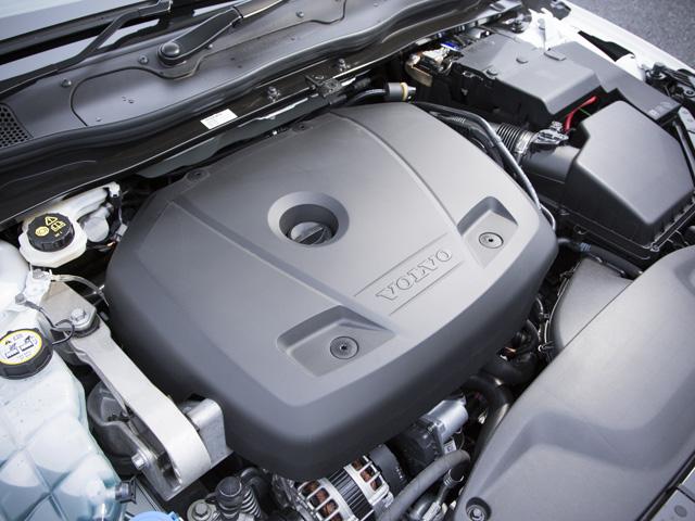 ▲アイドリングストップ機構も改良され、よりきめ細かい制御に。JC08モード燃費は16.5km/L