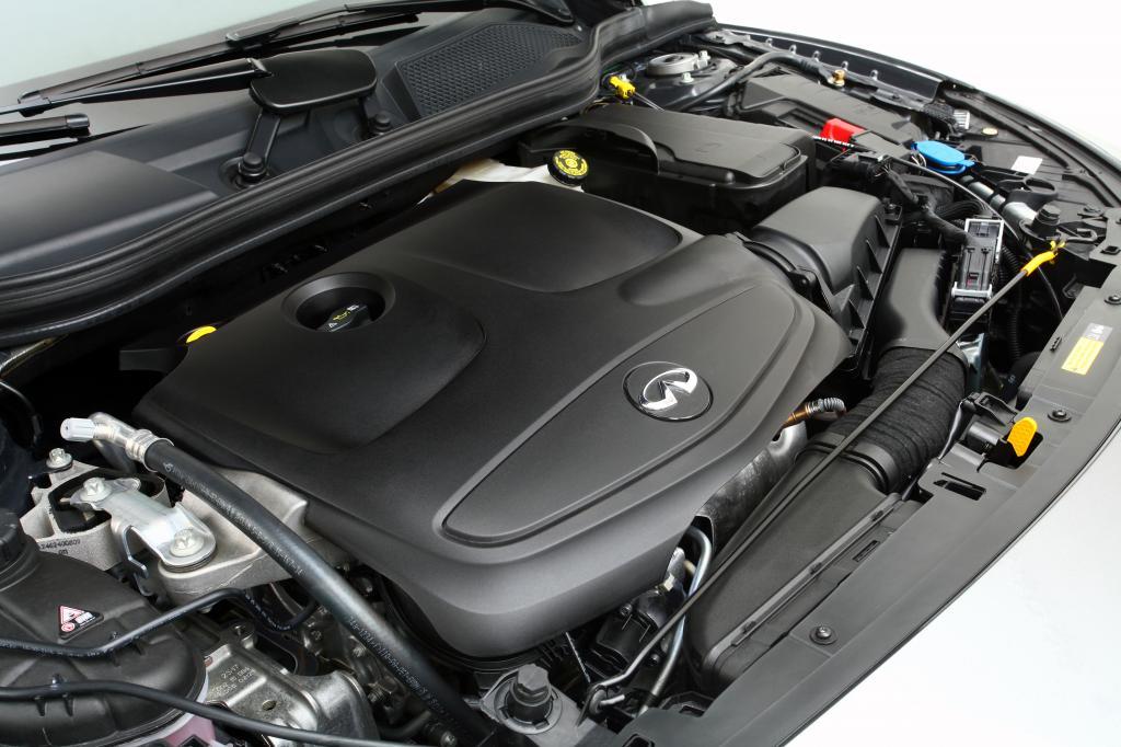 ▲2リッター直噴直4DOHCターボエンジン。よくできたディーゼルエンジン並みに低回転からトルキーなので、日常的に力強さを体感できる