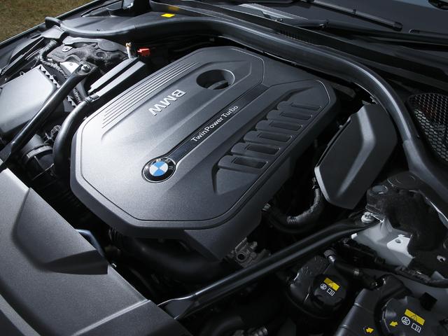 ▲3Lターボはアルミを用いて軽量化、JC08モード燃費を12.2km/Lに。4.4Lターボも改良され効率化を高めた
