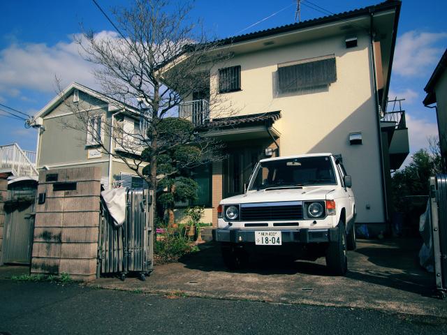 ▲まるで我が家、な絵ヅラですが、ここはレッキとした日貸駐車場なのです