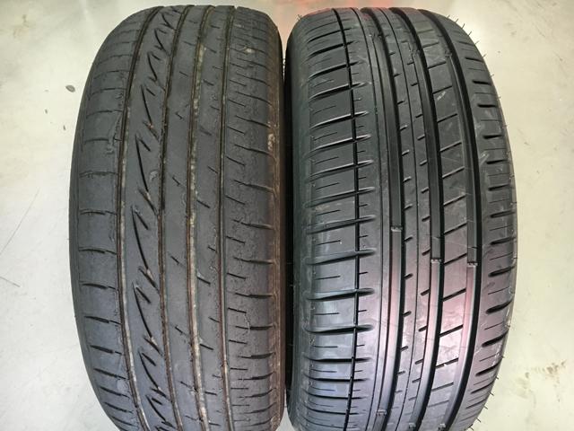 """▲左が購入時から付いていたタイヤ。右が「ミシュラン パイロットスポーツ3」。左は何度かサーキット走行を経ているため、見るからに""""限界感""""が漂っている"""