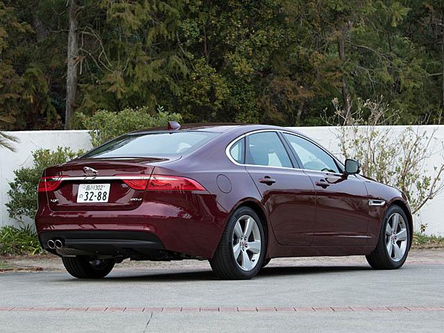 ▲ボディの75%にアルミニウムを用いた軽量モノコック車体構造を採用。旧型比で最大190kg軽量化、ねじり剛性を最大28%向上させた