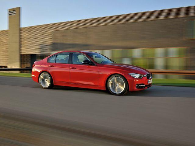 ▲モデル全体の相場は約190万~約650万円と幅広いが、12~14年式の320iおよび320d系は車両価格250万円付近で狙えるようになってきた現行BMW 3シリーズ。その「お買い得度」を考えてみます