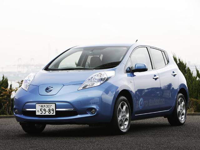 ▲電気自動車の代表格、日産 リーフ。燃料費を安く抑えられるところが最大の魅力です!