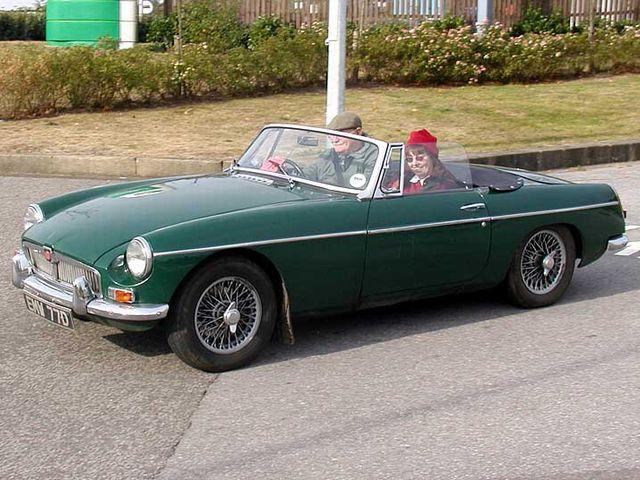 ▲こちらは英国MGのMG-B。1962年から1980年まで、全世界で52万台以上が製造・販売された2ドア・オープンカーの代名詞。初代マツダ ロードスターもこのMGBを意識して開発された