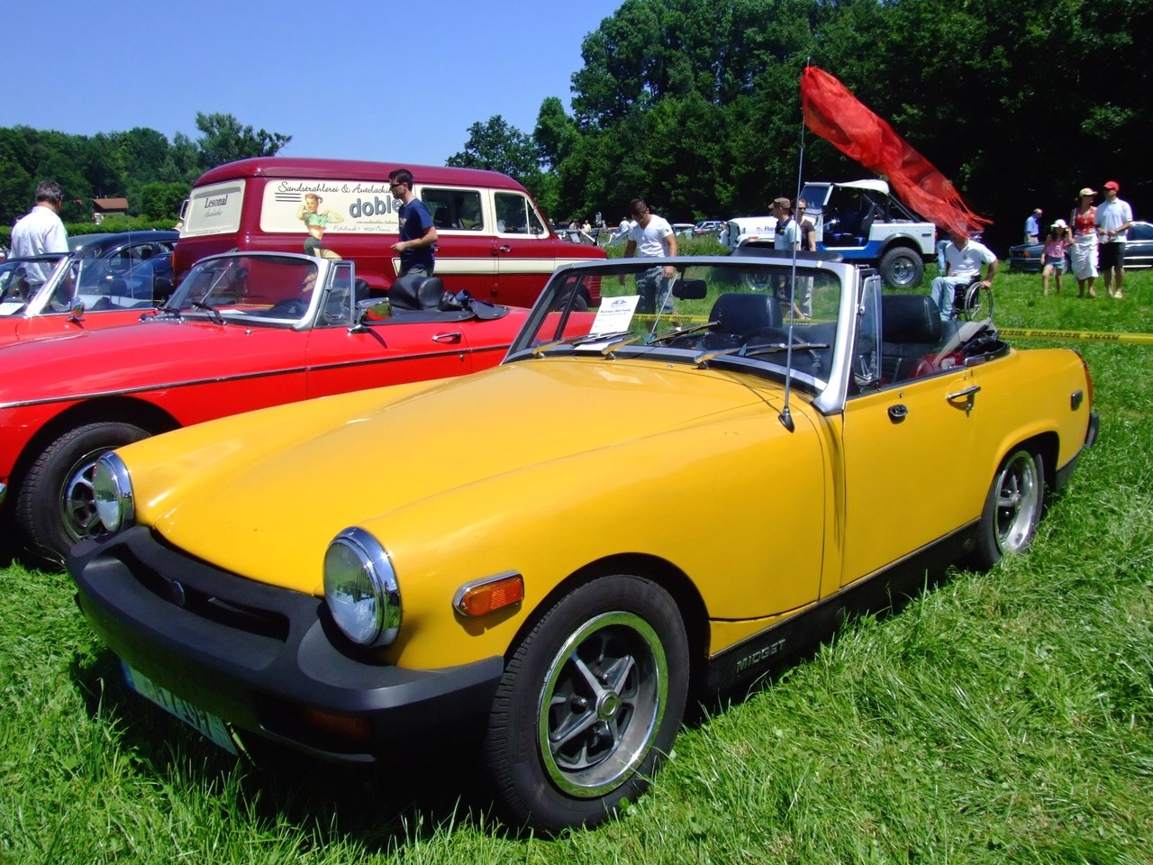 ▲こちらはより小ぶりなMG ミジェット。1961年から1979年まで生産された小型2シーターオープンスポーツカーで、カニ目ことオースチン ヒーレー スプライトの兄弟車にあたる