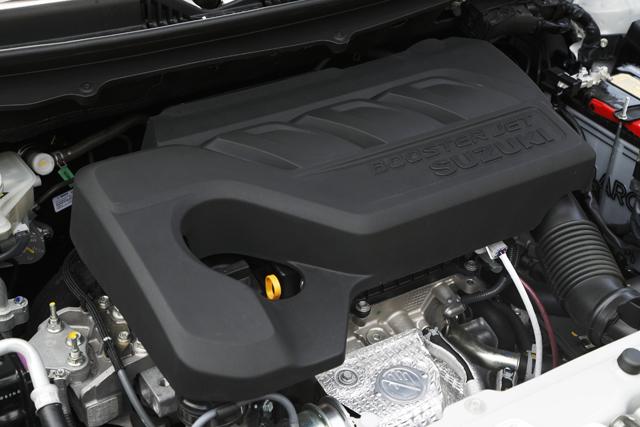 ▲1.0Lダウンサイジングターボを採用したXTモデル。安定したトルクと6速ATのトランスミッションで運転は快適だ