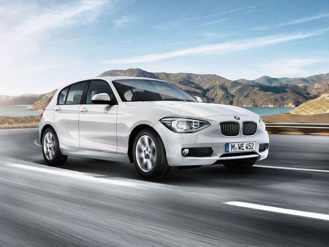 ▲第二世代の1シリーズとして11年10月に登場した現行BMW 1シリーズ。ベーシックな116iと上級グレードである120iが搭載するエンジンは出力違いの1.6L直列4気筒ターボで、マイナーチェンジ後の118iは同じく1.6Lながら3気筒のターボエンジンを搭載しています