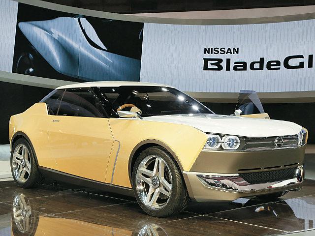 ▲FRスペシャリティを模索したモデルを、日産はショーで発表していた。写真は、2013年の東京モーターショーで発表されたIDx。レトロテイストなデザインを採用