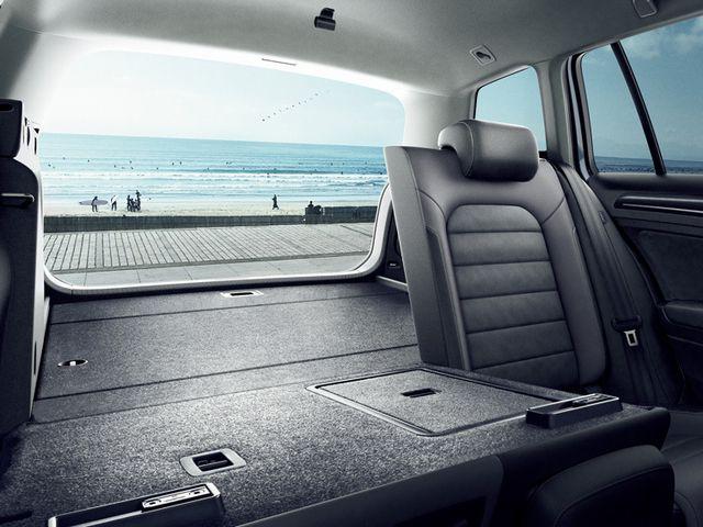 ▲ラゲージ容量は後席使用時で650L、後席を畳めば最大1620Lとなる