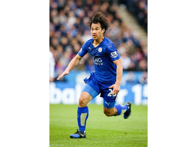 ▲兵庫県出身のプロサッカー選手、岡崎慎司。Jリーグ清水エスパルスを経てドイツ・ブンデスリーガのVfBシュトゥットガルトおよび1.FSVマインツ05に移籍。2015年6月には英国プレミアリーグのレスター・シティFCに4年契約で移籍し、下馬評を覆す「奇跡の初優勝」に貢献した