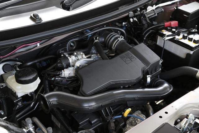 ▲先代までの1.3Lエンジンは廃止され、1.0Lエンジンのみとなった。乗り心地は良好で、普段使いに向いている車だ