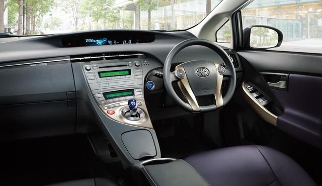 ▲写真は2012年11月に設定された「マイコーデ」のインテリア。内外装の色や加飾を自由に選べた特別仕様車で、標準車にはない組み合わせを探すことができます