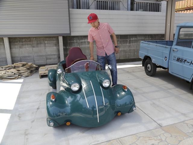 ▲レトロな雰囲気の車を生み出すことを得意とする光岡自動車が1998年に発売したマイクロカーシリーズのK-2。50ccエンジンを積み、大人1人が乗車できます