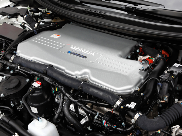 """▲小型化に成功したパワートレインの最先端システム。これにより""""車として一級品""""を実現させた"""
