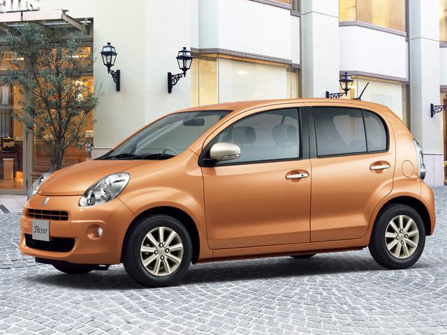 ▲トヨタとダイハツの2メーカーが共同開発したコンパクトカー「パッソ」。現行型のひとつ前、2010年2月~生産されていた2代目が、今お買い得になっています!