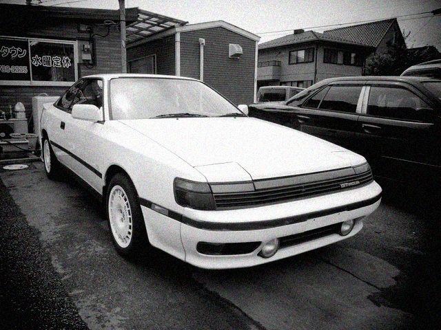 ▲例えばST165ことトヨタ セリカの初代GT-FOUR。そのたたずまいは今見ると逆にかなりシブいですが、見るだけでなく「実際に買う」となるとどうなのか? そのあたりを具体的に探ってみます