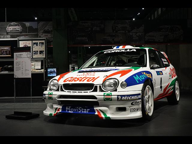▲(カローラ WR-Car)1998年のWRCへの正式復帰を前に、「WRカー」へと規定が変更されたことに合わせて1997年からテスト参戦したマシン。カローラといってもヨーロッパで販売されていた丸目ライトのモデルがベース。1999年にはマニュファクチャラーズチャンピオンに輝いています。展示車はプロトタイプです