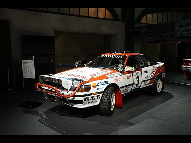 ▲(セリカ GT-Four=ST165)1985年に登場したセリカ GT-Fourがベースで、トヨタ初のフルタイム4WDを搭載しています。1987年から適用された「グループA規定」に合わせて開発されました。TA64と同じくサファリラリーで優勝を飾った1990年シーズンのマシンです