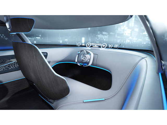 ▲メルセデス・ベンツが昨年の東京モーターショーで披露したコンセプトカー「Vision Tokyo Concept」のコックピット。運転席以外のシートはボディに沿って設置されラウンジのようになっています