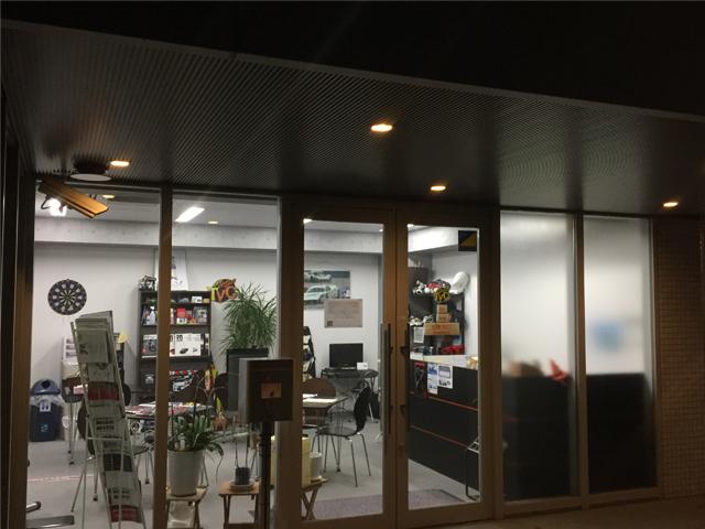 ▲マンションの1階にある東京バーチャルサーキット。外観からは中に広がる本格的なシミュレーションはイメージできないが、実際は?