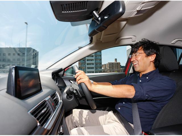 ▲1.5Lガソリンエンジンを搭載した4WDのアクセラ(セダン)はリア剛性の高さや重量配分のバランスが良いためか、乗り心地や走りの安定感が想像以上に高く、運転していても実に楽しい。ガソリン車も見逃すことはできない