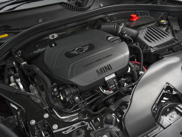 ▲ディーゼルには直噴や可変ジオメトリー・ターボなどを採用し、燃費とパワーを両立。JC08モード燃費は22km/L(クラブマン 2L)から23.9km/L(3ドア 1.5L)となる
