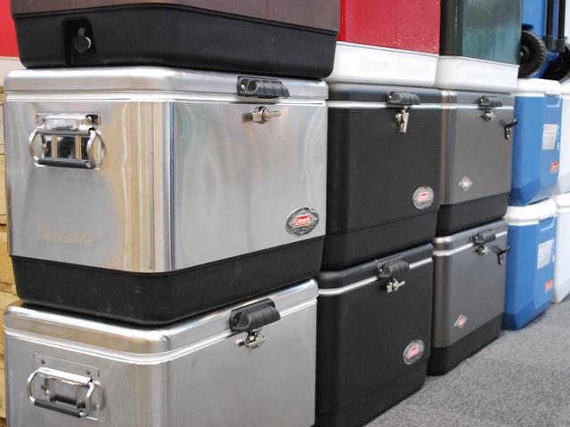 ▲畳めるソフトクーラーは便利ですが、冷却性などを考えるとハードタイプが欲しくなりますね。クーラーボックスは荷室でかなりかさばる存在に