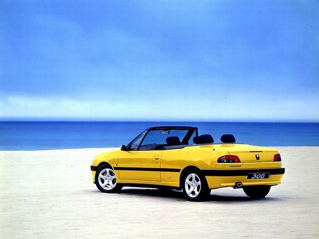 ▲94年8月から02年7月まで販売された、プジョー 306をベースとする4シーターオープン。現在の中古車相場は60万~110万円といったところで、ここのところ流通量はかなり少なめとなっている