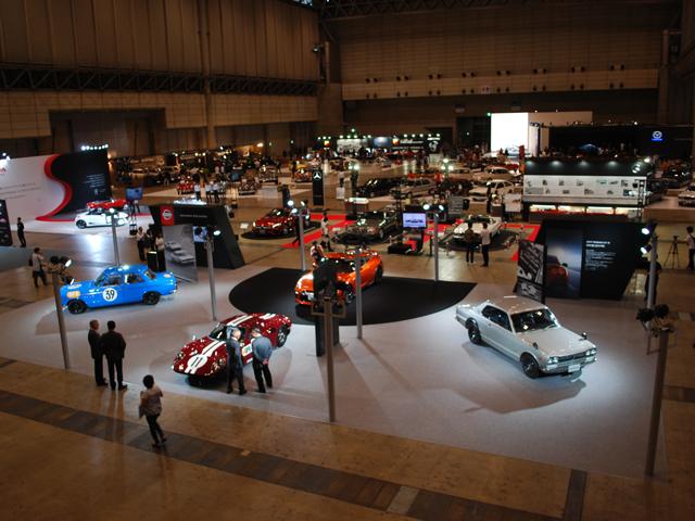 ▲ビンテージカーからヤングタイマーまで多くの車が展示されたオートモビルカウンシル。会場ではロードスターベースのアバルト 124スパイダーが日本初公開されるなど、車好きを魅了する新しい形のイベントでした