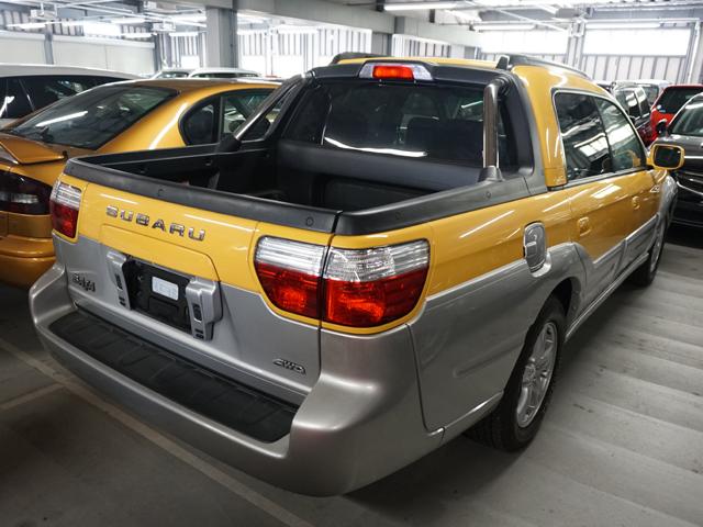 ▲国内販売はなかったレガシーベースのピックアップモデルの「BAJA(バハ)」。斬新かつ力作も時代を先取りしすぎたためレア車に。ただし、今発売したら意外と売れそうな気配をプンプン感じる
