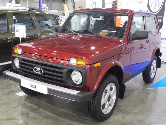 """▲車オタクのオジさんたちには、「ニーヴァ」と言った方がわかりやすいだろう。いまはニーヴァと名乗る別車種(シボレーブランド)があるので、""""4×4""""と名乗っているこの車。かつて日本で販売していたときとほとんど変わらない"""