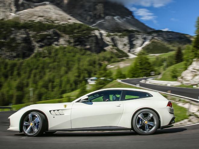 ライバルはレンジローバー?マラネロ謹製のSUV フェラーリ GTC4ルッソ(海外試乗)