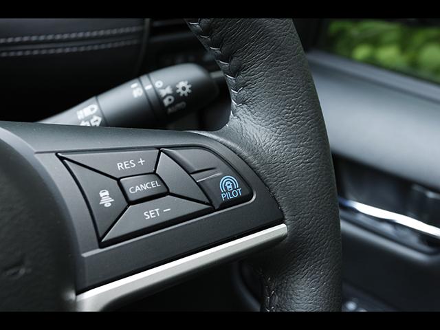 ▲ミドルサイズミニバンでは初搭載となる同一車線運転技術「プロパイロット機能」。特別仕様車を除きメーカーオプション設定となる