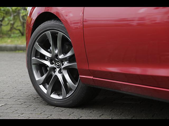 ▲よりスムーズなコーナリングを実現するG-ベクタリングコントロールを全車に標準装備