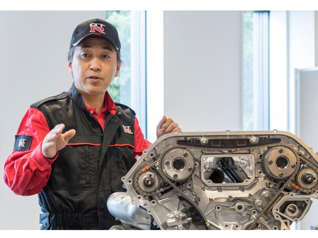 ▲相変わらず、エンジンは匠により1台1台手組みされている