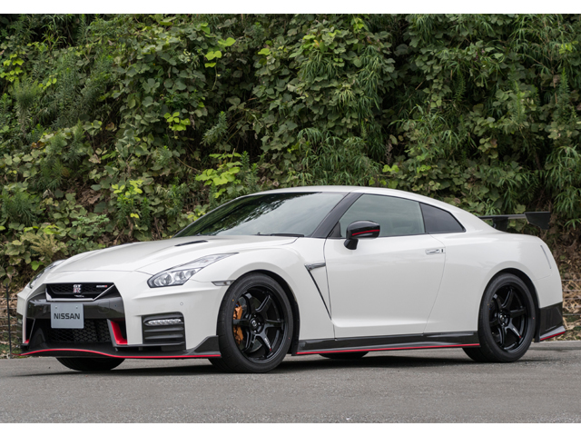 ▲「Track edition engineered by nismo」と「NISSAN GT-R NISMO」は17年モデルでも継続設定だ
