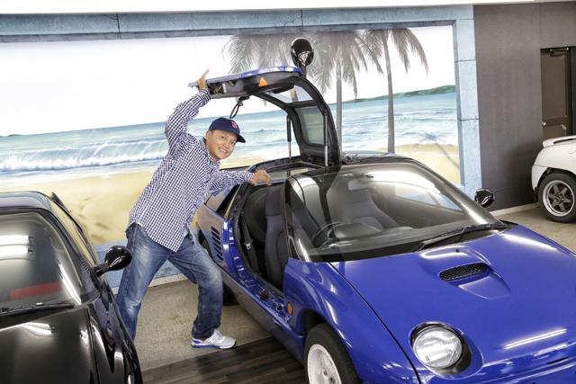 ▲スーパーカーを連想させるガルウイングドア。AZ-1が発売されたときの衝撃を覚えている人も多いはず!