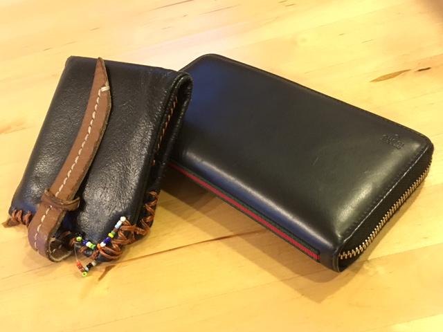 ▲右が見栄を張って購入した某イタリーブランドの長財布。が、結局はタンスの肥やしに。左は、今やビーズの部分がほつれてしまった安手の2つ折り財布だが、これが実は(筆者にとっては)かなり使いやすい