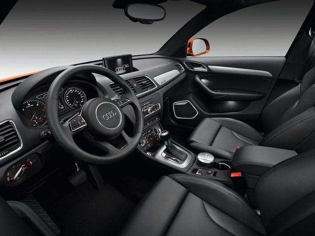 ▲アウディ Q3の運転席まわり。いかにもアウディらしいモダンなテイストが光る造形センスといえる。こちらも、実際の物件の内装は様々な仕様(オプション設定)のものが混在している