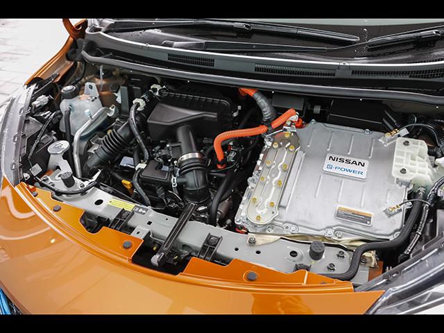 ▲発電用のエンジンは標準のノート同様、フロント部分に搭載される。エンジンの型式は標準車と同じHR12DE。バッテリーはリチウムイオンとなる