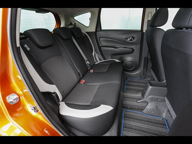 ▲バッテリーを前席下に搭載するが後席の広さは十分キープ