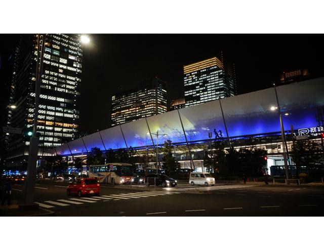 ▲東京駅グランルーフ。八重洲側の出口全面に渡った見事な演出