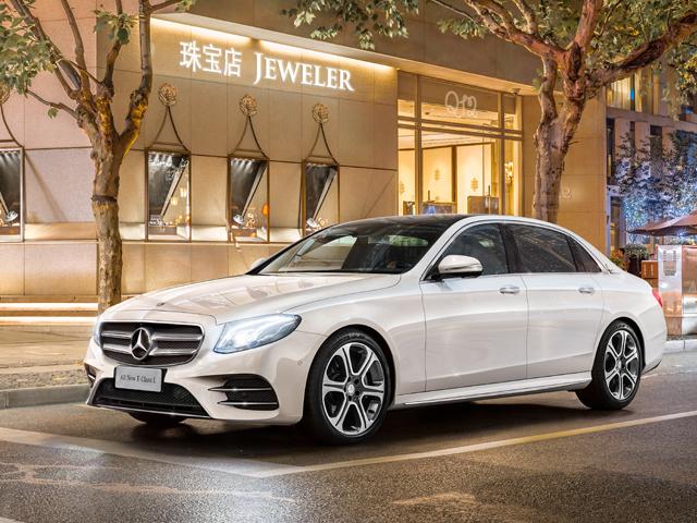 ▲ドイツの自動車メーカー「メルセデス・ベンツ」。輸入車の中でも高級なイメージが強く、自動車に馴染みのない若者からも憧れを持たれているようです