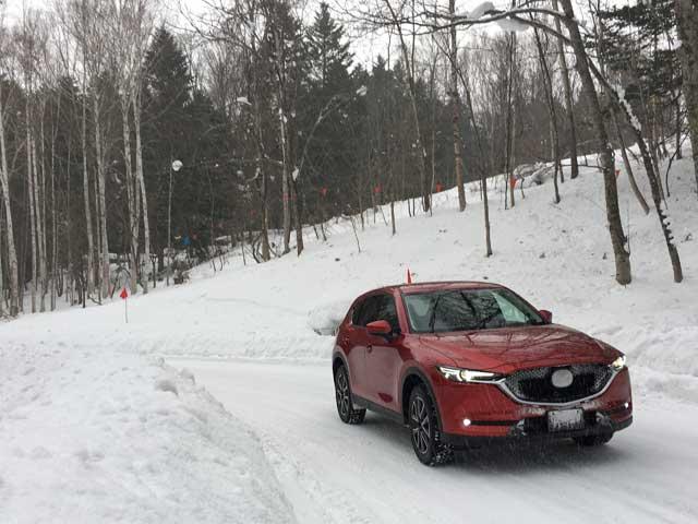 ▲雪上というコンディションの中、新型CX-5の走りの素晴らしさを体感することができた