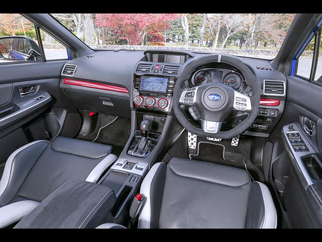 ▲シートはSTI製のバケットタイプ。ベースがスバル車ということで、予防安全・運転支援機能で評価の高いアイサイト Ver.3も備える